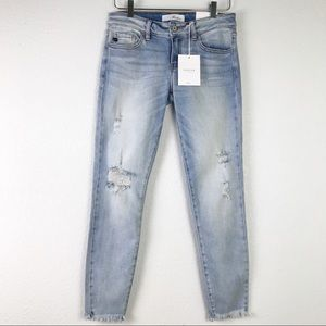 NWT KanCan Bennett Low Rise Distressed Light Wash Ankle Skinny Jeans 27 FLAWED